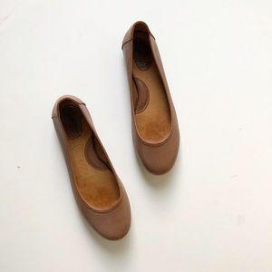 Born leather flats